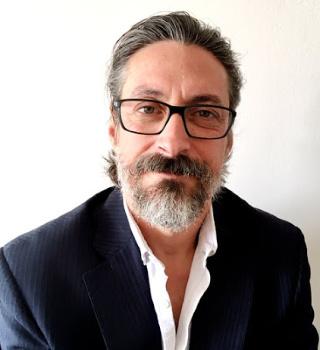 Author Daniel Davidsohn