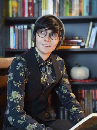 Author Cassidy Dwelis