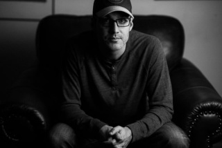 Author Tom Saric