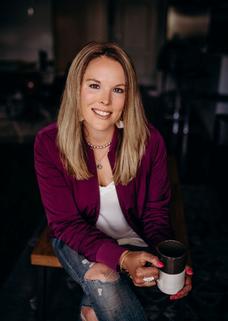 Author Caitlin Bangsund